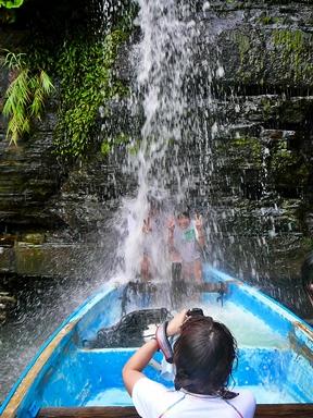 西表島遊覧・水落の滝