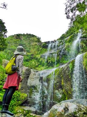 西表島トレッキングで行くユツンの滝